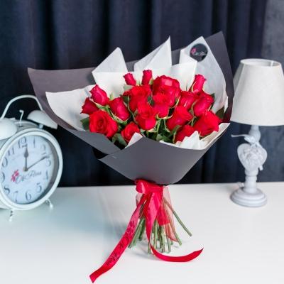 25 Trandafiri Roșii 50 cm