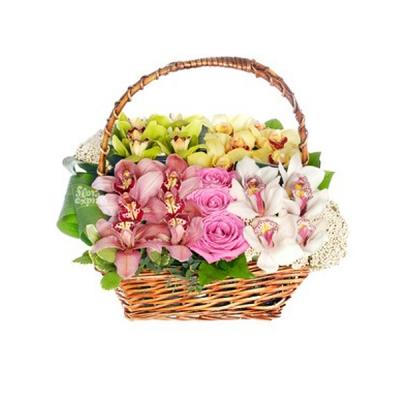 Coș cu orhidee și trandafiri