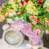 Buchet din 35 alstromerii in plasa roz