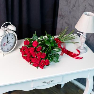 Trandafiri Roșii 70