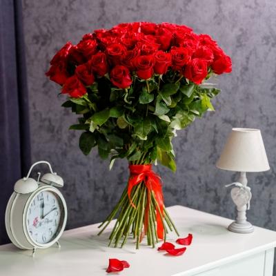 51 Trandafiri Roșii 80-90 cm