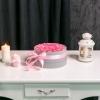 Cutie Rotundă cu Trandafiri Roz