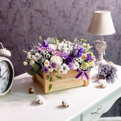Lădiță de Lemn cu Flori Mixte