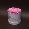 9 Trandafiri Criogenați Roz în Cutie de Lux Mică Albă