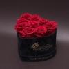 9 Trandafiri Criogenați Roșii în Inimă de Catifea