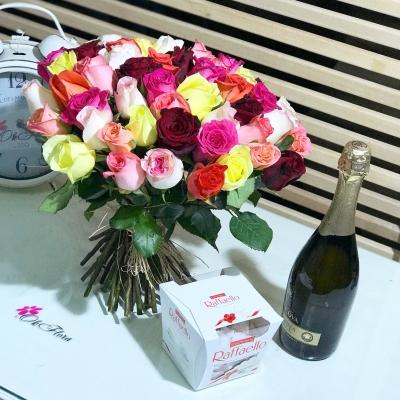 51 Trandafiri Multicolori, Raffaello și Lacrima Dulce