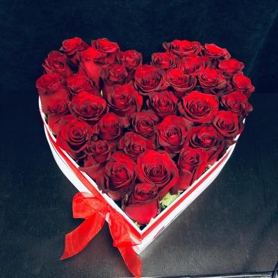 Inimă mare cu Trandafiri