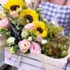Lădiță Mare cu Floarea Soarelui, Eustome, Struguri și Spumant