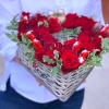 Inimă Rustică din Trandafiri și Ciocolate