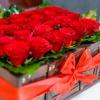 Lădiță mare cu 25 trandafiri