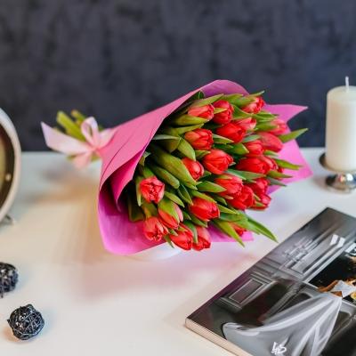 Buchet special Nr 11 din 25 lalele rosii