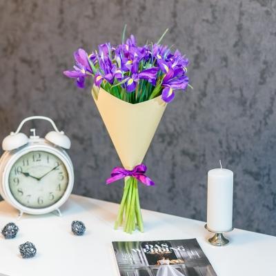 Buchet din 15 irisi in hirtie naturala